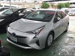 沖縄の中古車 トヨタ プリウス 車両価格 216万円 リ済別 平成27年 2.9万K シルバー