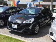 沖縄の中古車 トヨタ アクア 車両価格 119万円 リ済別 平成27年 6.5万K ブラック