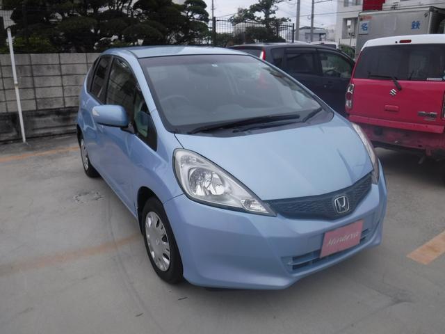 沖縄の中古車 ホンダ フィット 車両価格 30万円 リ済込 2013(平成25)年 6.3万km ライトブルーM