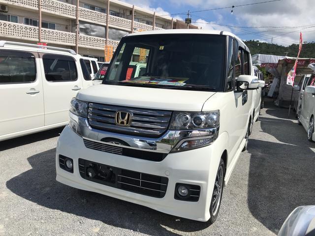 沖縄の中古車 ホンダ N-BOXカスタム 車両価格 98万円 リ済込 2014(平成26)年 6.8万km パールホワイト