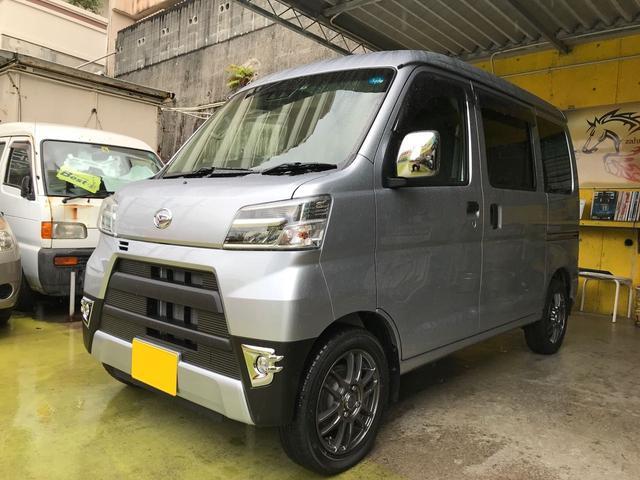 沖縄の中古車 ダイハツ ハイゼットカーゴ 車両価格 123.5万円 リ済込 2018(平成30)年 0.5万km シルバー