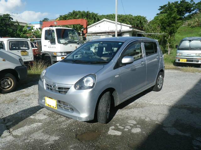 沖縄の中古車 ダイハツ ミライース 車両価格 49万円 リ済込 2011(平成23)年 8.0万km シルバー