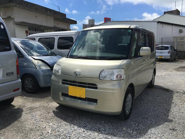 沖縄の中古車 ダイハツ タント 車両価格 50万円 リ済込 平成22年 11.9万km ライトゴールド