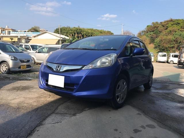 沖縄県の中古車ならフィットハイブリッド ベースグレード CD キーレス オートエアコン ライトレベライザー Wエアバッグ