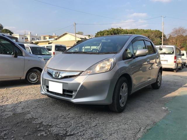 沖縄県島尻郡与那原町の中古車ならフィットハイブリッド  キーレス オートエアコン ライトレベライザー パワースライドドア