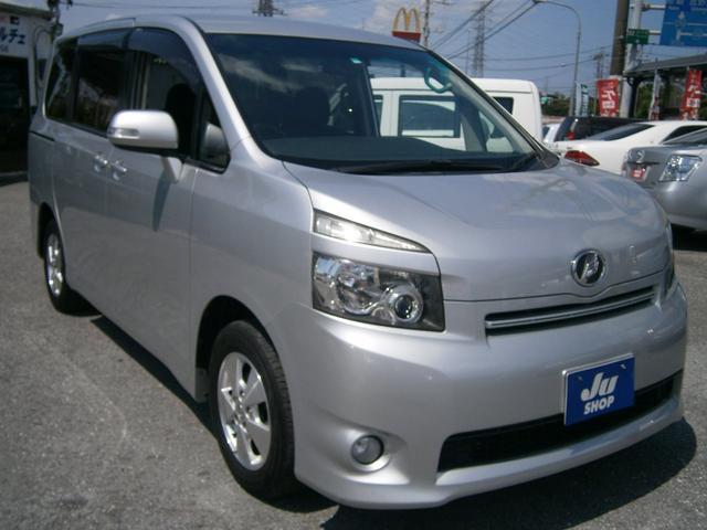沖縄の中古車 トヨタ ヴォクシー 車両価格 57万円 リ済別 2008(平成20)年 8.4万km ライトグレーM