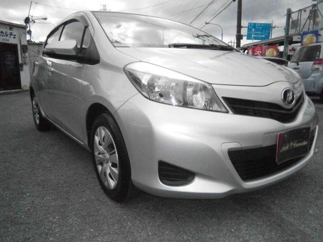 沖縄の中古車 トヨタ ヴィッツ 車両価格 33万円 リ済別 2011(平成23)年 9.3万km ライトグレーII