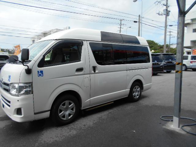 沖縄県の中古車ならハイエースバン 福祉車両 ウェルキャブ
