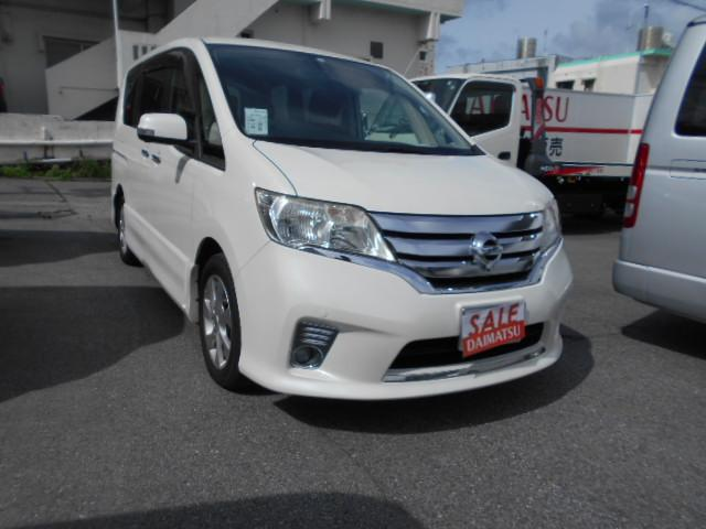 沖縄の中古車 日産 セレナ 車両価格 49万円 リ済込 2011(平成23)年 11.8万km パール