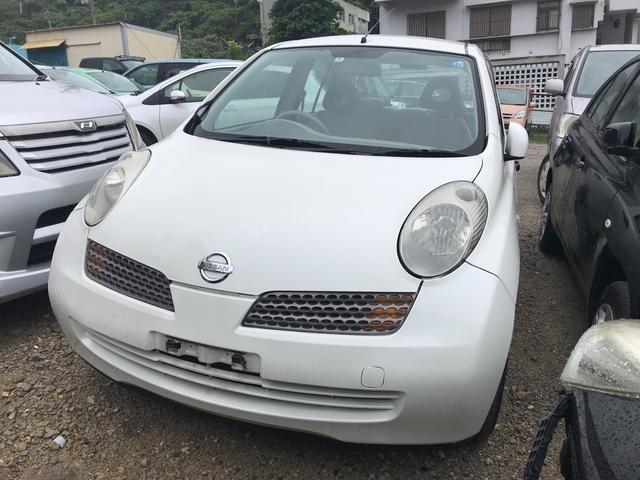 沖縄の中古車 日産 マーチ 車両価格 9万円 リ済別 2003(平成15)年 7.0万km ホワイト