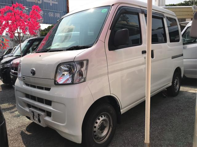 沖縄の中古車 トヨタ ピクシスバン 車両価格 58万円 リ済込 2015(平成27)年 8.4万km ホワイト