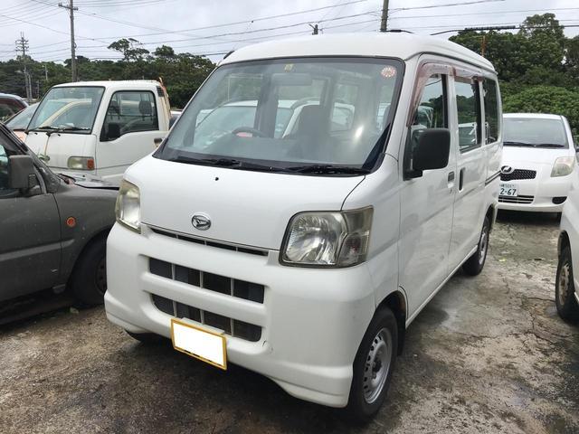 沖縄の中古車 ダイハツ ハイゼットカーゴ 車両価格 27万円 リ済込 2007(平成19)年 14.2万km ホワイト