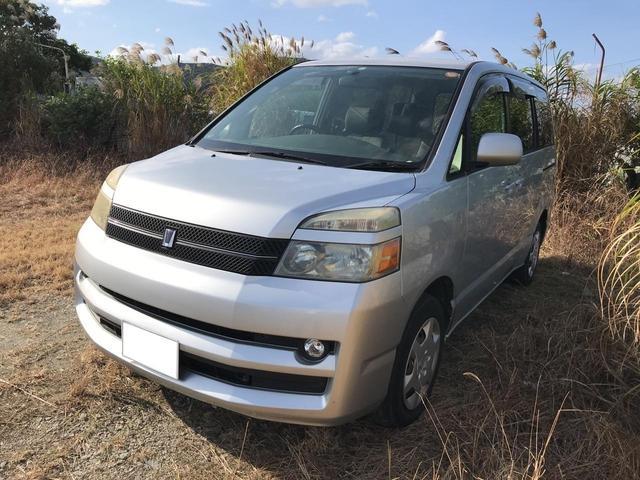沖縄の中古車 トヨタ ヴォクシー 車両価格 19万円 リ済込 2004(平成16)年 16.9万km シルバー