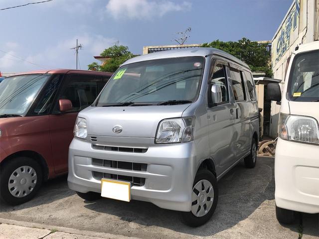 沖縄の中古車 ダイハツ ハイゼットカーゴ 車両価格 55万円 リ済込 2015(平成27)年 13.3万km シルバー