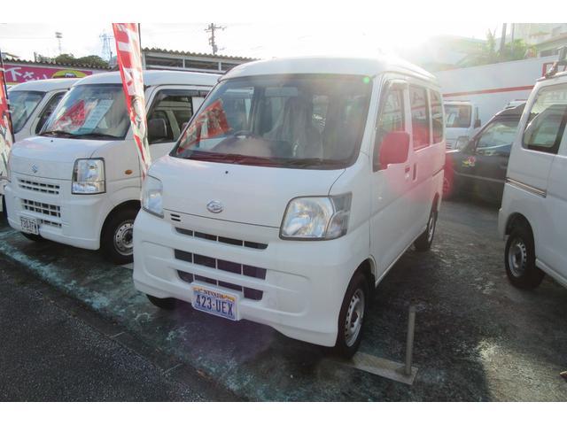 沖縄の中古車 ダイハツ ハイゼットカーゴ 車両価格 37万円 リ済込 2013(平成25)年 13.7万km ホワイト