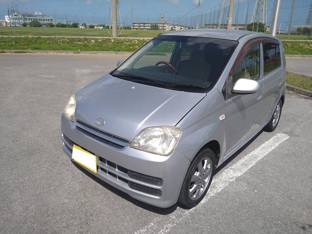 沖縄の中古車 ダイハツ ミラ 車両価格 18万円 リ済込 2006(平成18)年 9.8万km ブライトシルバーメタリック