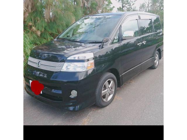 沖縄の中古車 トヨタ ヴォクシー 車両価格 34万円 リ済込 平成18年 13.3万km ブラック