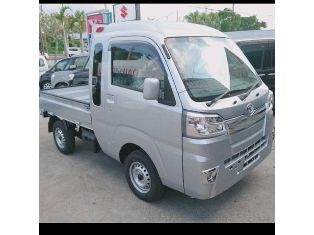 沖縄の中古車 ダイハツ ハイゼットトラック 車両価格 108万円 リ済込 2019年 8km ライトグレーM