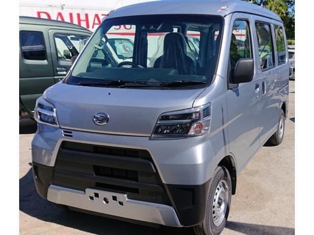 沖縄の中古車 ダイハツ ハイゼットカーゴ 車両価格 108万円 リ済込 2020(令和2)年 6km シルバー