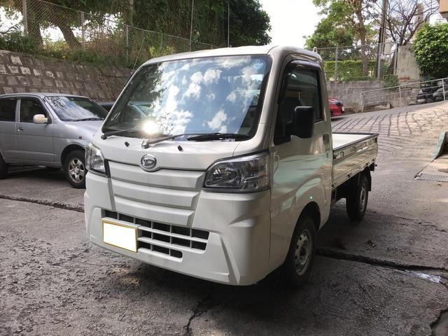 沖縄の中古車 ダイハツ ハイゼットトラック 車両価格 79万円 リ済込 2016(平成28)年 0.8万km ホワイト