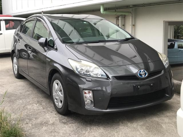 沖縄の中古車 トヨタ プリウス 車両価格 76万円 リ済込 2011(平成23)年 13.2万km グレー