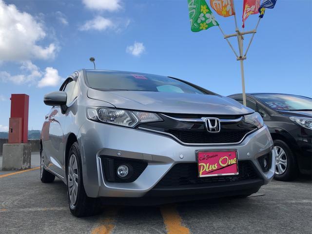 沖縄の中古車 ホンダ フィット 車両価格 88万円 リ済別 2016(平成28)年 1.7万km シルバー
