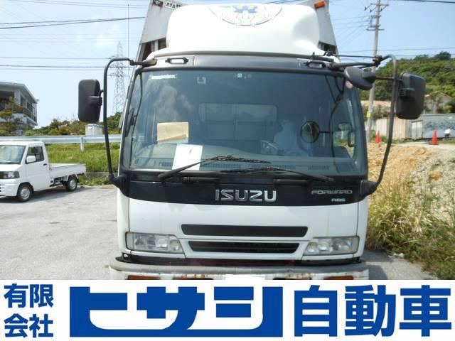 沖縄の中古車 いすゞ フォワード 車両価格 155万円 リ済別 2002(平成14)年 30.6万km ホワイト
