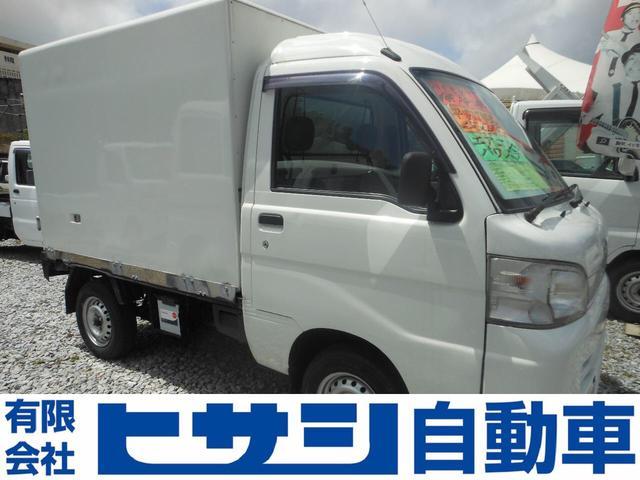 沖縄の中古車 ダイハツ ハイゼットトラック 車両価格 41万円 リ済込 2005(平成17)年 16.5万km ホワイト