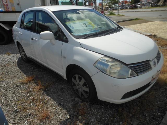 沖縄の中古車 日産 ティーダラティオ 車両価格 9万円 リ済込 平成16年 11.0万km ホワイト