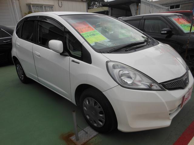 沖縄の中古車 ホンダ フィット 車両価格 49万円 リ済込 平成24年 11.0万km パール