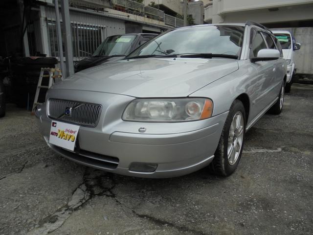 沖縄の中古車 ボルボ ボルボ V70 車両価格 49万円 リ済込 2007年 6.7万km シルバーM