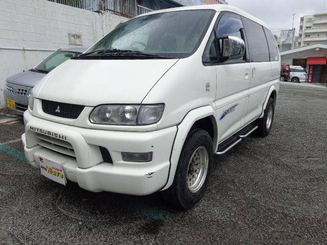 沖縄の中古車 三菱 デリカスペースギア 車両価格 55万円 リ済込 平成18年 16.2万km ホワイトM