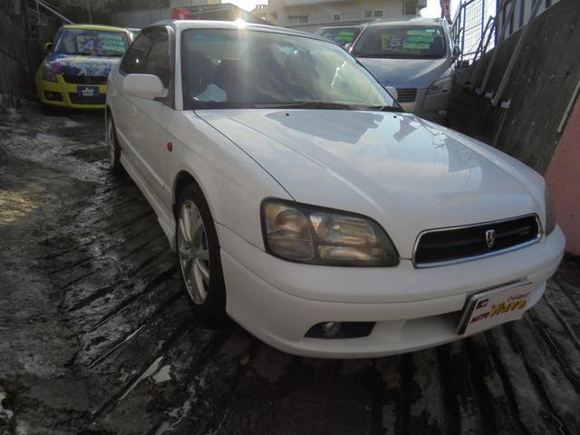 沖縄の中古車 スバル レガシィB4 車両価格 39万円 リ済込 2000(平成12)年 11.7万km ホワイトM