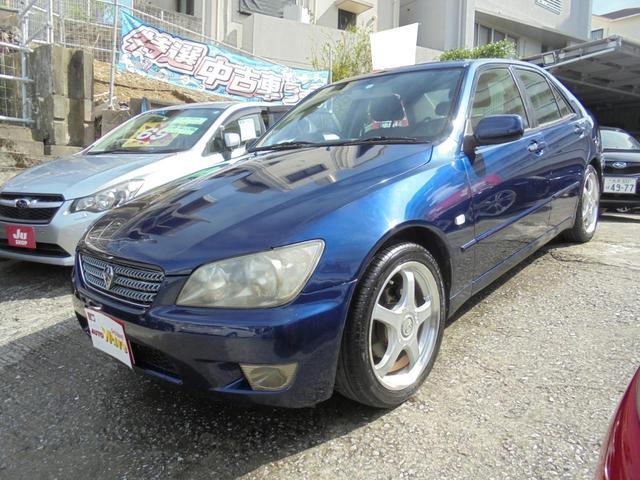 沖縄の中古車 トヨタ アルテッツァ 車両価格 59万円 リ済込 2004(平成16)年 13.6万km ダークブルーM
