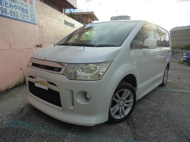 沖縄の中古車 三菱 デリカD:5 車両価格 49万円 リ済込 2007(平成19)年 11.4万km ホワイト