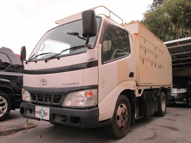 沖縄の中古車 トヨタ トヨエース 車両価格 80万円 リ済込 2006(平成18)年 11.5万km ホワイト