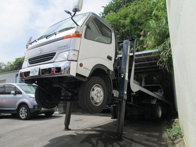 沖縄県豊見城市の中古車ならダイナトラック  セルフローダー 5300ccディーゼル MT6速 ハイジャッキ仕様 最大積載量3450kg 車両総重量7985kg ワイドロング
