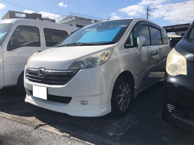 沖縄の中古車 ホンダ ステップワゴン 車両価格 27万円 リ済込 2006(平成18)年 15.3万km ホワイト