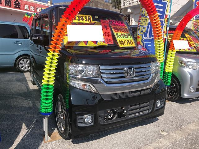 沖縄の中古車 ホンダ N-BOXカスタム 車両価格 94万円 リ済別 2014(平成26)年 8.3万km スマートブラック