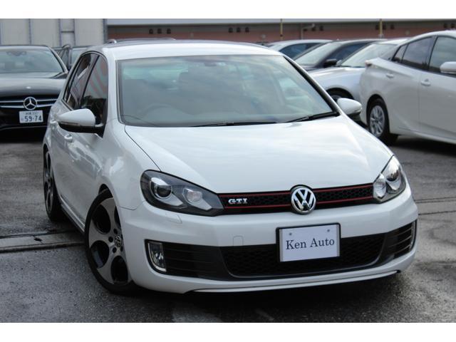 沖縄の中古車 フォルクスワーゲン VW ゴルフ 車両価格 112万円 リ済込 2011(平成23)年 6.9万km ホワイト