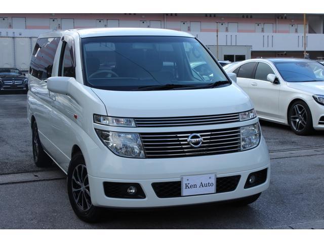 沖縄の中古車 日産 エルグランド 車両価格 55万円 リ済込 平成16年 4.6万km ホワイト