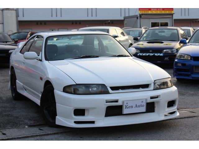 沖縄県の中古車ならスカイライン GTS25tタイプM 社外アルミ・社外マフラー・社外MOMOハンドル・社外バンパー・本土仕入れ