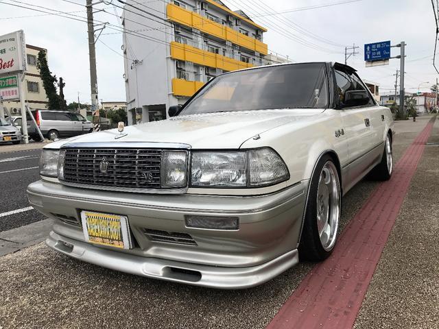 沖縄の中古車 トヨタ クラウン 車両価格 93万円 リ済込 平成2年 6.4万km ホワイトII