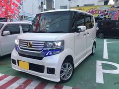 沖縄の中古車 ホンダ N BOXカスタム 車両価格 125万円 リ済別 平成25年 3.9万K パールホワイト