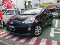 沖縄の中古車 トヨタ アクア 車両価格 99万円 リ済別 平成26年 6.5万K ブラックM
