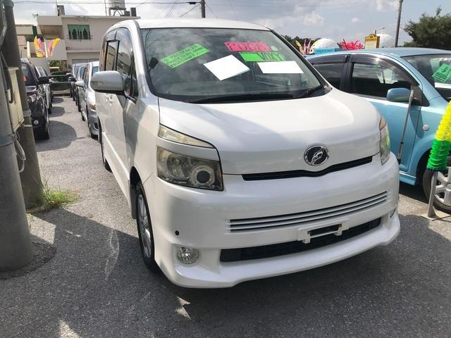 沖縄県の中古車ならヴォクシー Z 8人乗り