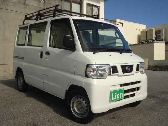 沖縄の中古車 日産 NV100クリッパーバン 車両価格 45万円 リ済込 平成25年 8.8万km ホワイト