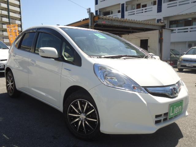 沖縄県の中古車ならフィットハイブリッド ベースグレード ナビ USB入力 ETC LEDウインカーミラー シートリフター 3年耐久ガラスコーティング