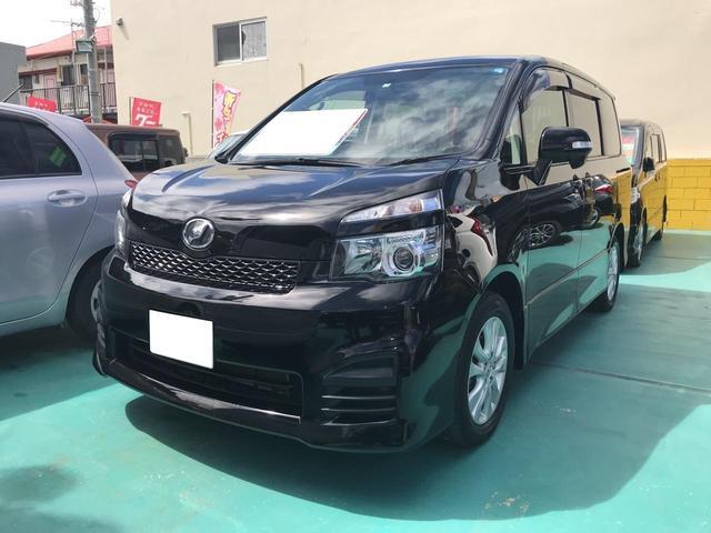 沖縄の中古車 トヨタ ヴォクシー 車両価格 114万円 リ済込 2011(平成23)後 4.1万km ブラック