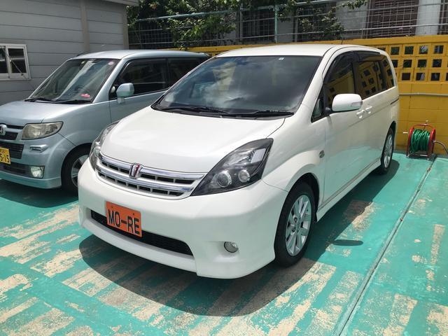 沖縄の中古車 トヨタ アイシス 車両価格 64万円 リ済込 2010(平成22)年 8.8万km パールホワイト